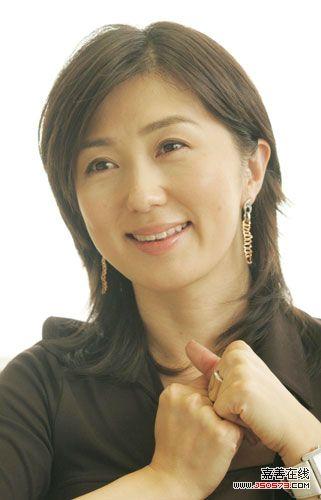 佐佐木恭子幸福地对媒体宣布