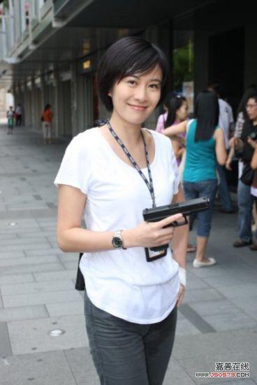 香港女警察-叶璇女警风范-叶璇 火龙对决 变打女 拼命表现吓倒黎明