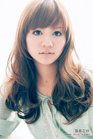 斜刘海女生中长发发型图片图片