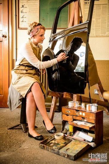 在hooper车间的门口还展出了一辆1953年制造的劳斯莱斯银高清图片