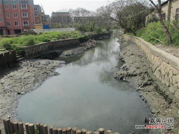 """同在大云镇新农村集聚区的两条黑臭河,西罗秋浜的""""挣扎""""与""""重生""""为丁"""