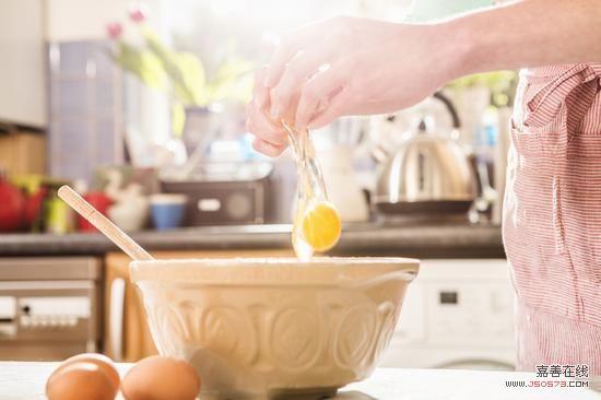 炒鸡蛋加两样宝
