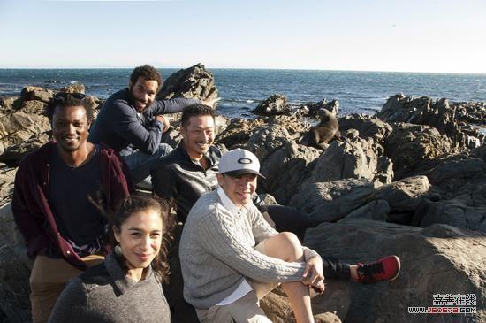 《攻壳机动队》的部分演员在惠灵顿合影 图片来源:派拉蒙影业和梦工厂影业 Matt Grace