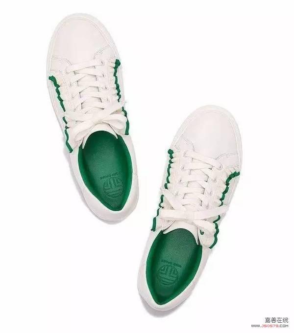 """仙女出行就连运动鞋都要缀满荷叶边!跟着刘诗诗、热巴get同款""""仙鞋""""吧!"""
