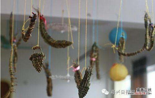 嘉兴一幼儿园小朋友将普通树枝做成工艺品