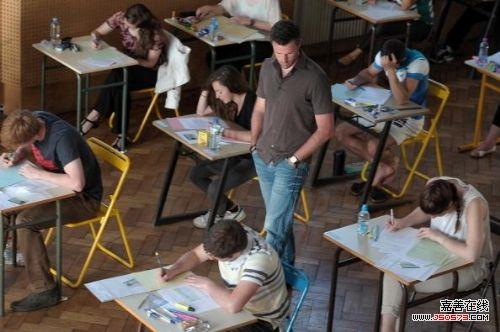 美侨报调查:留学生中不乏找人代课者 律师提醒违法