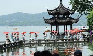 """""""杭州全球旗袍日"""":向世界讲述杭州的优雅"""